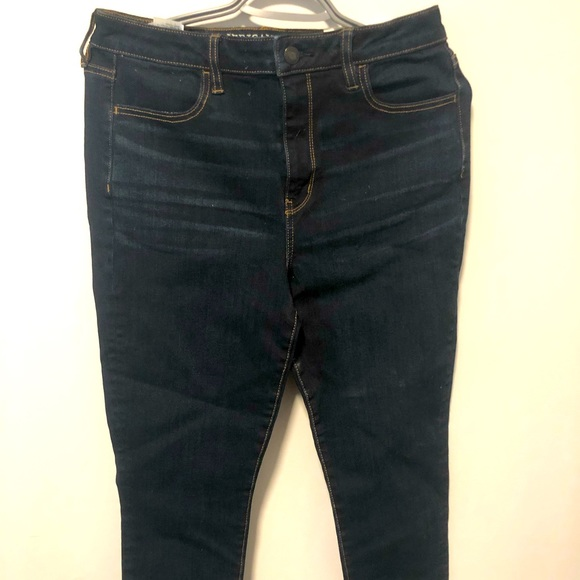 NWT American Eagle skinny jeans Size 10 short